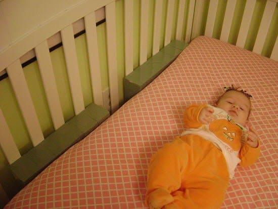 gap between mattress and crib