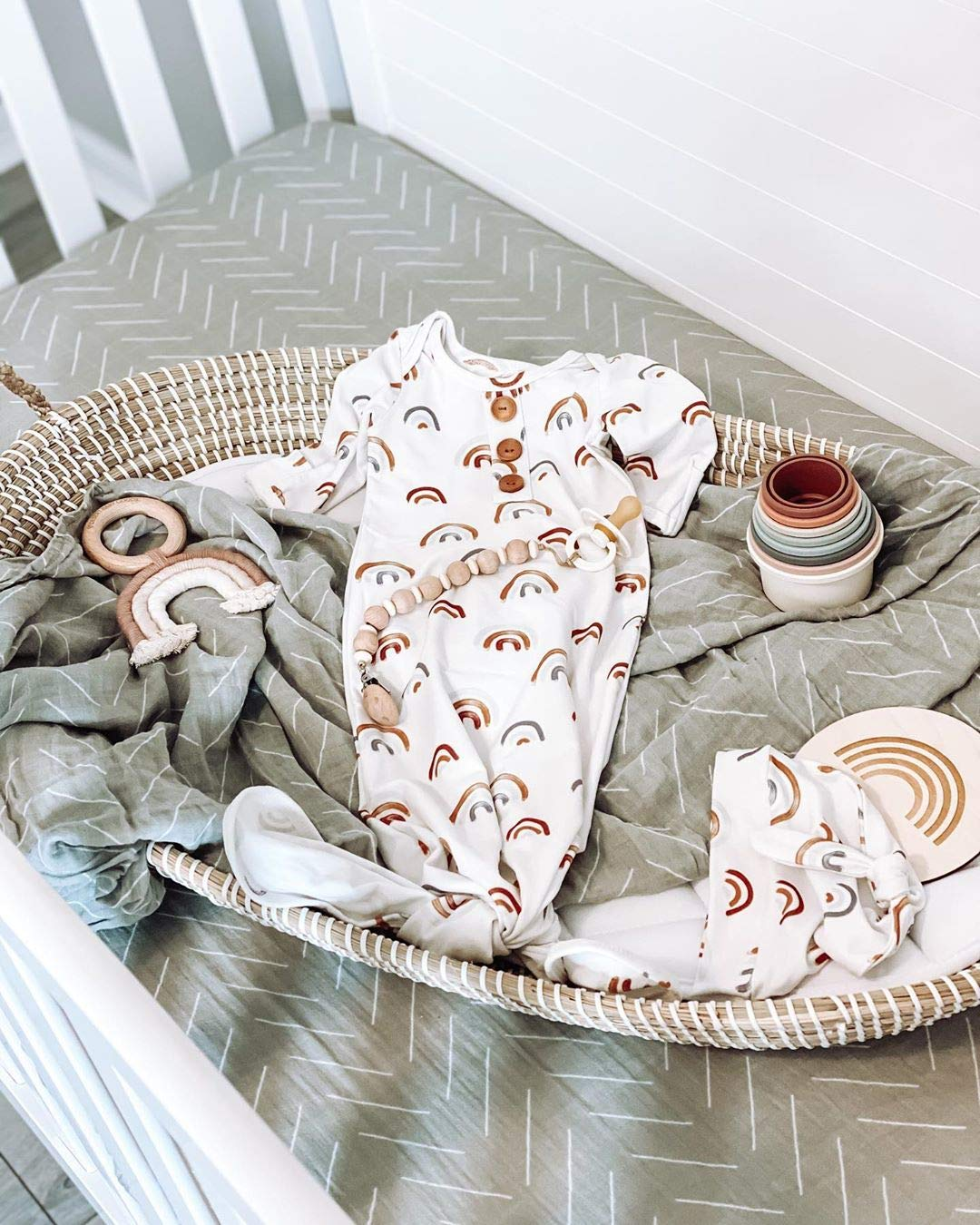 Linen Perch Moses basket bassinet with clothes