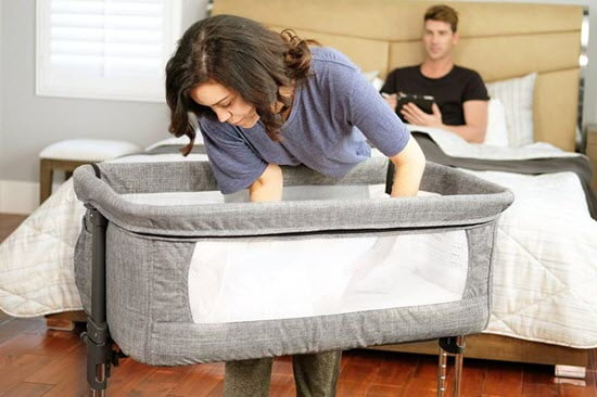 easy to lift the baby in Mika Micky Bedside Sleeper bassinet